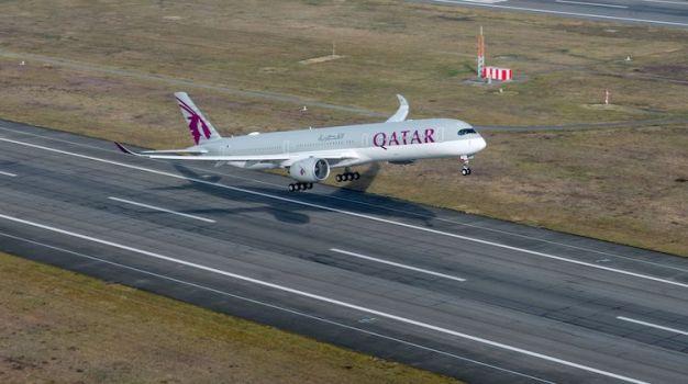 A350-1000-Qatar-first-flight-take-off_750.jpg